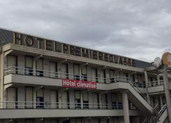 Premiere Classe Bourges (6 Kms Du Centre-Ville) - Μπουρζ - Κτίριο