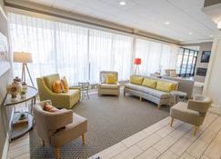 Holiday Inn Bloomington Airport South Mall Area - Bloomington - Lounge