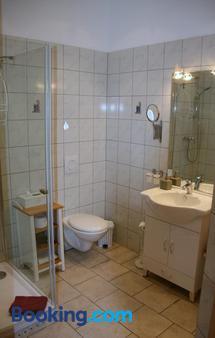 Romantik Landhaus & Pension Klapsliebling - Lübben - Bathroom