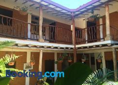 Casa Aparicio Lopez - Barichara - Building