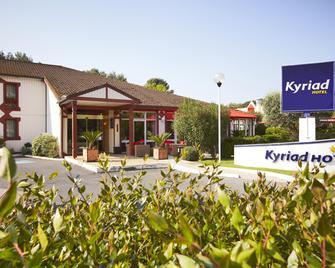 Hotel Kyriad Nimes Ouest - Nimes - Edificio