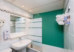 基里亞德尼姆奧斯特酒店 - 尼姆 - 尼姆 - 浴室