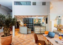 Kyriad Nimes Ouest - Nîmes - Bar