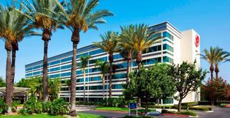 โรงแรมเชอราตัน สนามบินออนแทรีโอ - ออนตาริโอ