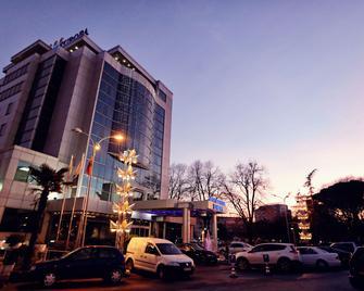 Europa Grand Hotel - Scutari - Edificio