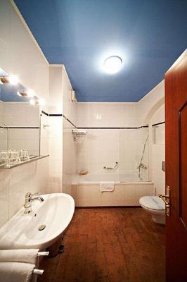 Royal Ricc - Brno - Bathroom