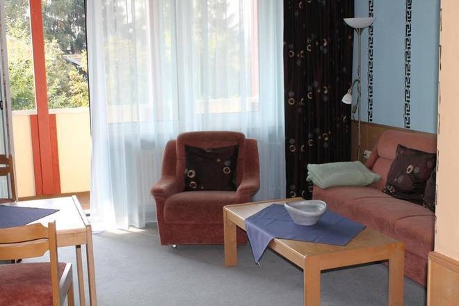 Wagners Hotel Schönblick - Fichtelberg - Living room