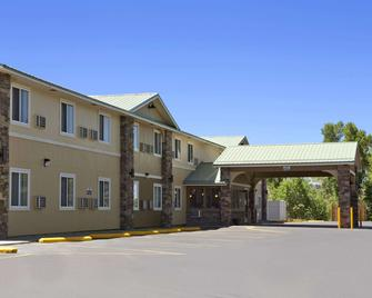 Days Inn & Suites by Wyndham Gunnison - Gunnison - Gebäude