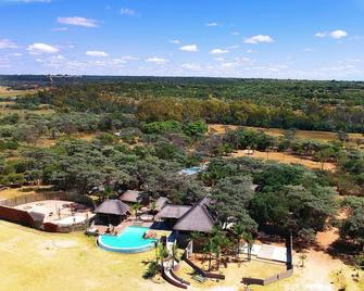 African Explorer Private Game Lodge - Vaalwater - Buiten zicht