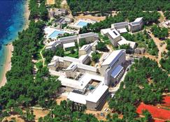 Bretanide Sport & Wellness Resort - Bol - Building