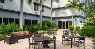 Springhill Suites Miami Downtown/Medical Center - Miami - Patio