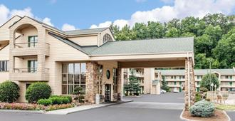 Quality Inn & Suites at Dollywood Lane - Pigeon Forge - Rakennus