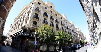 Hostal Sol Square Madrid - Madrid - Building