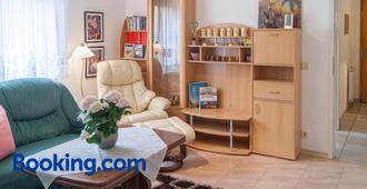 Ferienwohnung über den Dächern von Dresden - Dresden - Living room