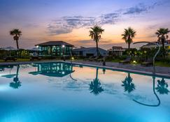 Eco Green Resort - Jeju - Zwembad