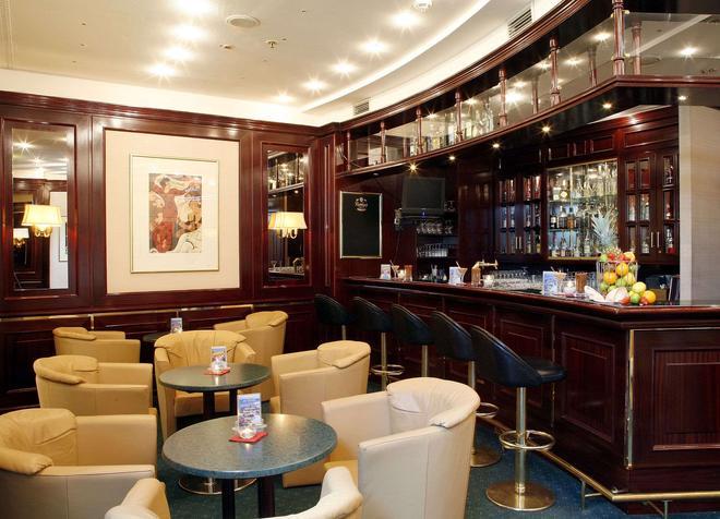 Hotel Amadeus Frankfurt - Frankfurt - Baari