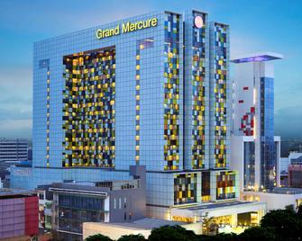 Grand Mercure Jakarta Harmoni - Jakarta - Building