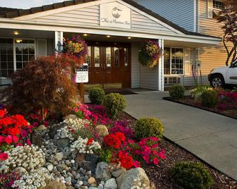 The Marina Inn - Anacortes - Building