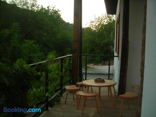 Hostel Mostel - Veliko Tarnovo - Μπαλκόνι