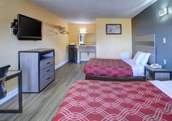 Econo Lodge at Military Circle - Norfolk - Makuuhuone