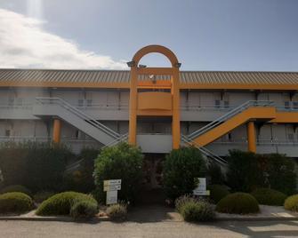 Premiere Classe SETE - Balaruc - Balaruc-les-Bains - Building