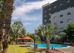 Hotel Lucerna Hermosillo - Hermosillo - Building