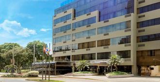 Roosevelt Hotel & Suites - Lima - Gebäude