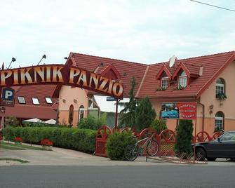 Piknik Wellness Hotel - Siófok - Building