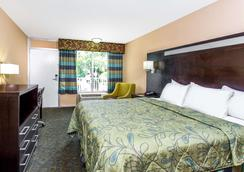 Days Inn by Wyndham Fort Lauderdale Airport Cruise Port - Fort Lauderdale - Bedroom