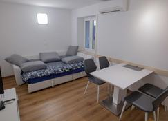 Top Line Apartments - Piran - Sala de estar