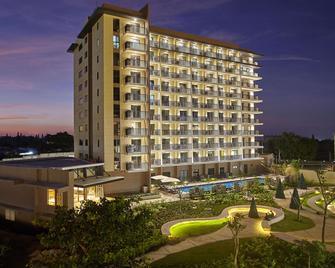 Quest Hotel Tagaytay - Tagaytay - Gebouw