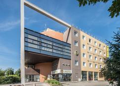 B&B Hôtel Grenoble Centre Verlaine - Γκρενόμπλ - Κτίριο
