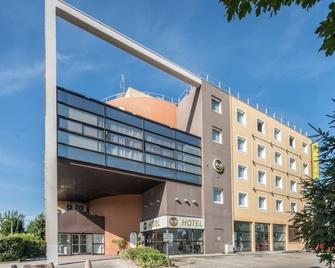 B&B Hotel Grenoble Centre Verlaine - Grenoble - Building