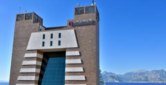 Ramada Plaza by Wyndham Antalya - Antalya - Bâtiment