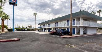 Motel 6 Blythe - Blythe - Κτίριο