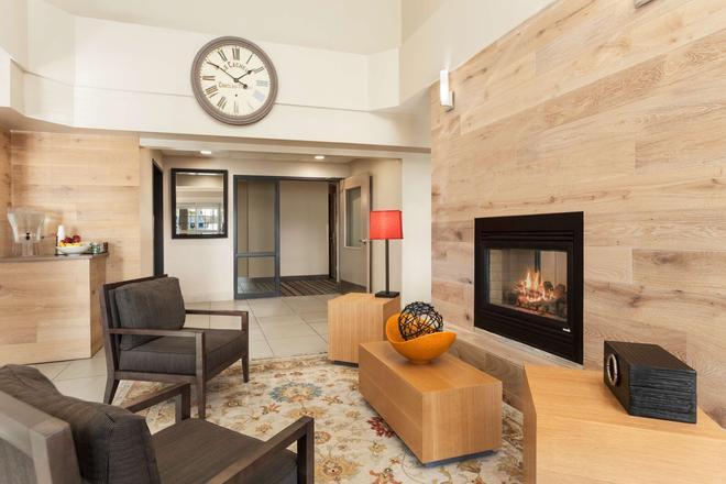 Country Inn & Suites by Radisson, Eagan, MN - Eagan - Lobby
