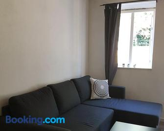 Skovlund Apartments - Bredsten - Living room