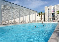 Appart'hôtel Odalys Nakâra - Agde - Pool