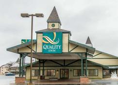 Quality Inn - Gaylord - Building