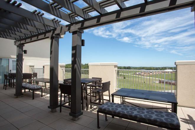 Drury Plaza Hotel Cape Girardeau Conference Center - Cape Girardeau - Balcón