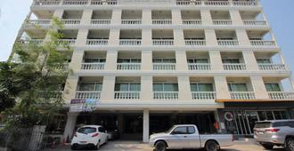 OYO 498 Ladawan Villa - Bangkok - Building