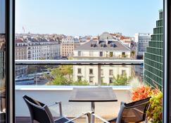 Aparthotel Adagio Genève Mont-Blanc - Geneva - Balcony
