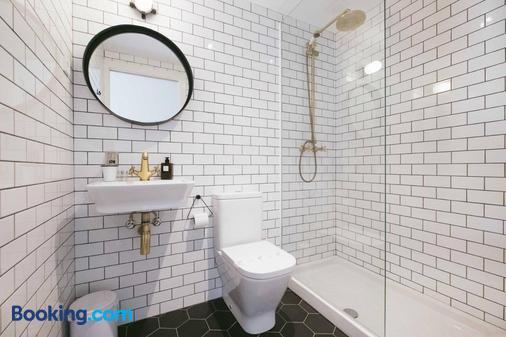 Magatzem 128 - Barcelona - Bathroom