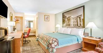 Super 8 by Wyndham Raleigh - Raleigh - Bedroom