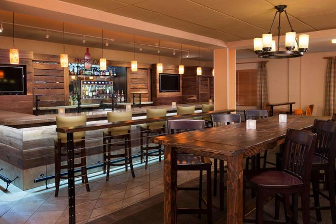 DoubleTree by Hilton Vancouver, Washington - Βανκούβερ - Bar