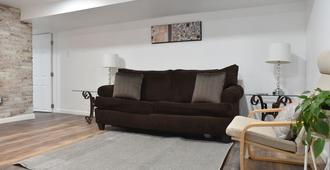Pittsburgh Apartment In Mount Washington Sleeps 4 With Private Parking - Pittsburgh - Sala