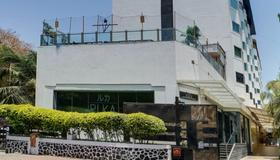 Ramee Guestline Hotel Juhu - Mumbai - Toà nhà