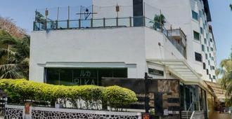 Ramee Guestline Hotel Juhu - Mumbai - Bâtiment