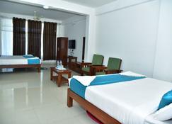 Vedanta Wake Up - Coorg, Madikeri Town Center - Madikeri - Bedroom