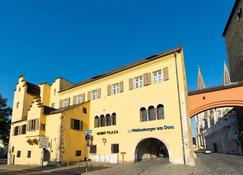 ACHAT Plaza Herzog am Dom Regensburg - Regensburg - Rakennus
